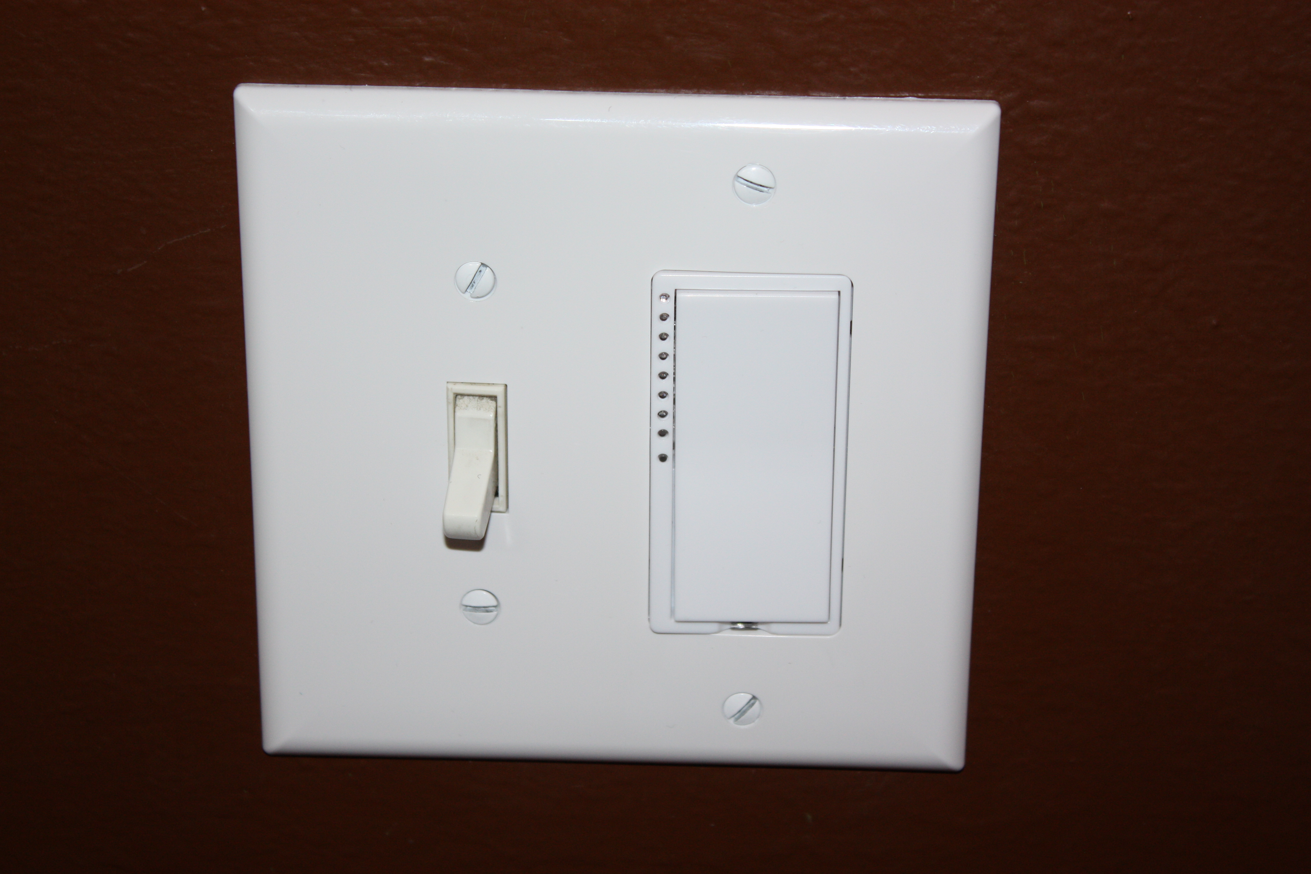 switchlinc dimmer on right controlling outdoor lights. Black Bedroom Furniture Sets. Home Design Ideas
